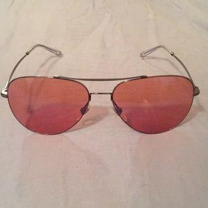 1e0909689128 Women Pink Gucci Sunglasses on Poshmark
